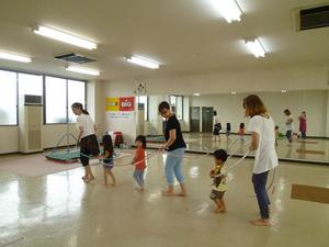 親子で楽しくリトミック体操教室